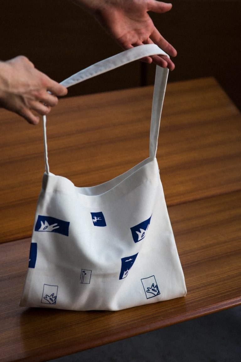 tote bag with blue dog print